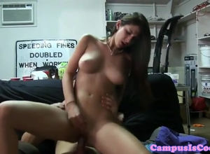 Amateurs coeds puss munching during..