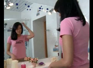 Let's check how this young woman makes..
